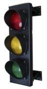 SEMAFORO TRE LUCI - 3204 Semaforo a 3 luci, 230V, Rossa, Gialla e Verde, completo di attacchi